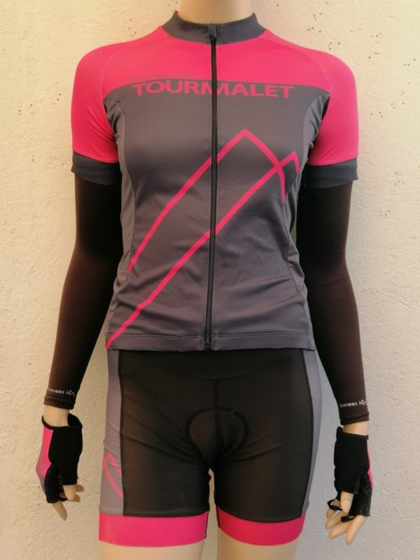 Ladies Fluo Pink matching Jersey and Shorts Set 1