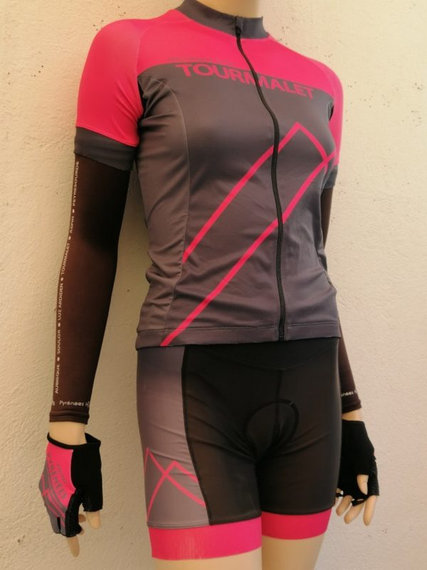 Ladies Fluo Pink matching Jersey and Shorts Set 2