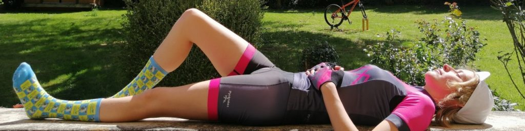 Womens Hot Pink Jersey, Shorts and Gloves